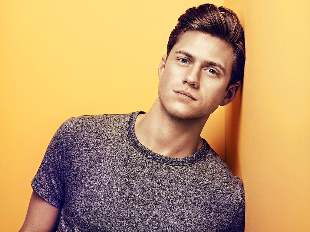 Aaron Tveit NewsTV News
