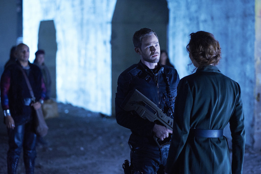 "KILLJOYS -- ""Escape Velocity"" Episode 110 -- Pictured: Aaron Ashmore as John -- (Photo by: Ken Woroner/Temple Street Releasing Limited/Syfy)"