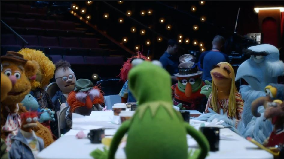 muppets-s1e1-table