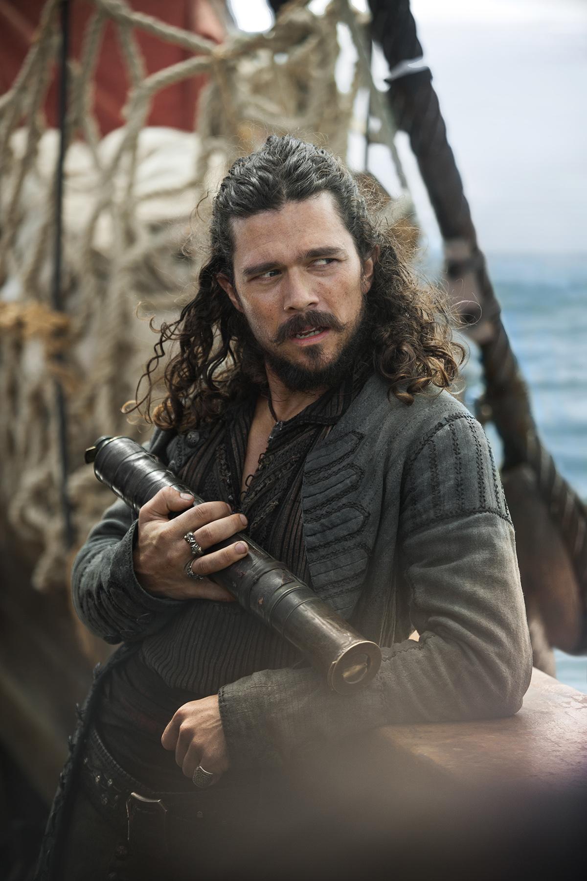 Black Sails John-Silver-Luke-Arnold