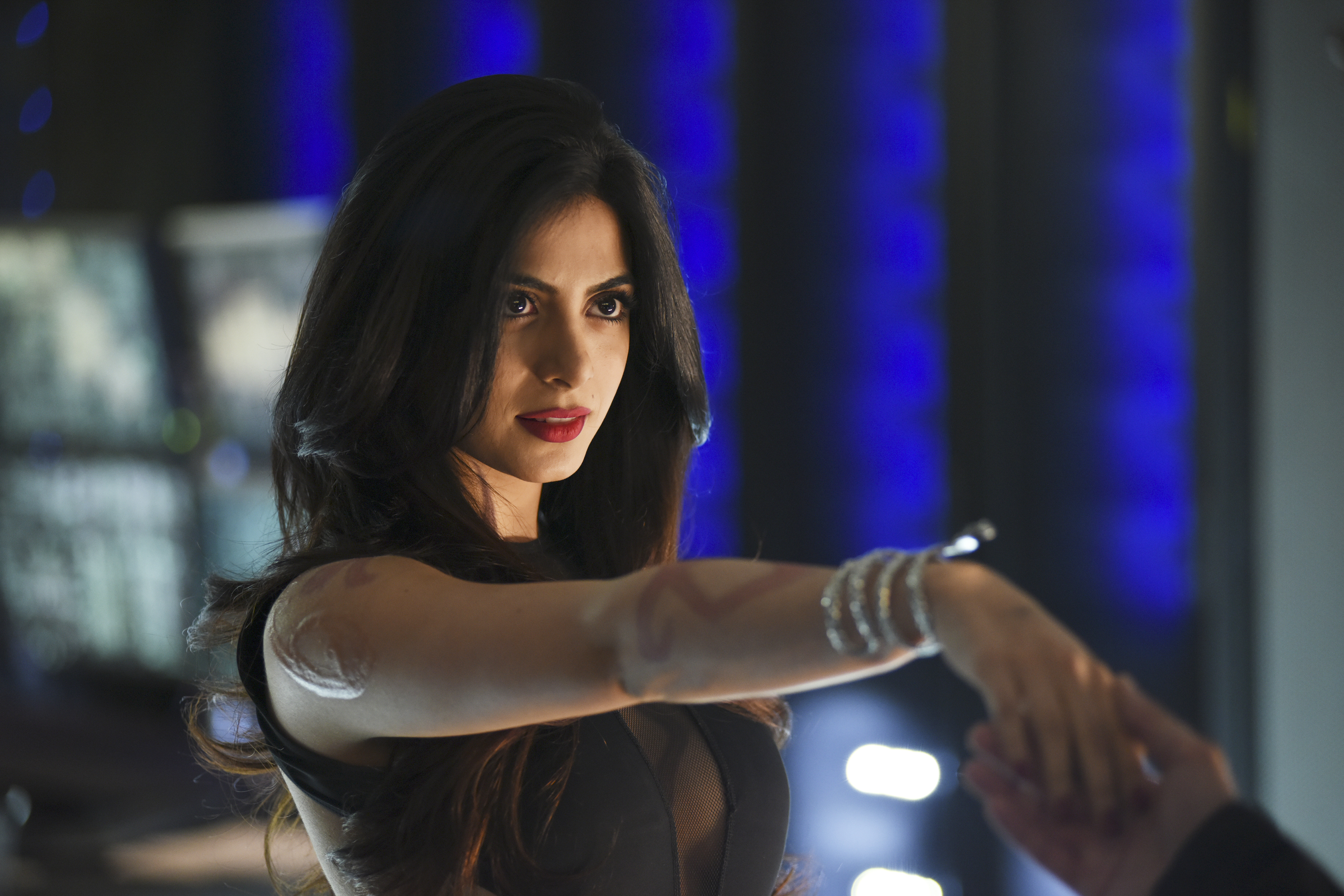 "SHADOWHUNTERS - ""The Descent Into Hell Isn't Easy"" - Clary's memories may be the key to finding her mother and The Mortal Cup in ""The Descent Into Hell Isn't Easy,"" an all-new episode of ""Shadowhunters,"" airing  TUESDAY, JANUARY 19 (9:00 - 10:00 p.m. EST) on Freeform, the new name for ABC Family. ABC Family is becoming Freeform on January 12, 2016. (Freeform/John Medland) EMERAUDE TOUBIA"