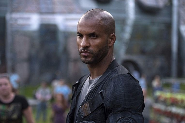 The-100-Season-3-Lincoln-Ricky-Whittle1