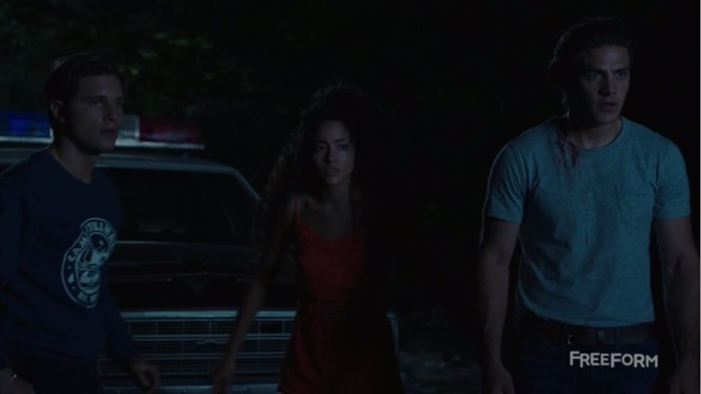"""'Dead of Summer' Review: """"She Talks to Angels"""""""