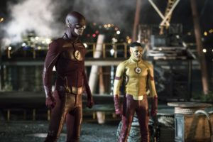 the-flash-s3e1-flashes