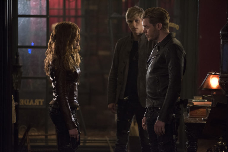 'Shadowhunters' Review: The Mortal Mirror Is Found