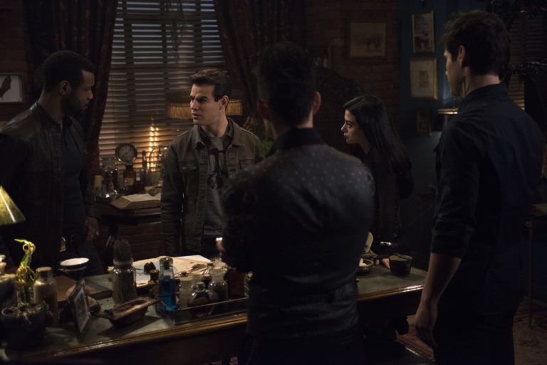 'Shadowhunters': Family Matters in 'A Heart of Darkness'