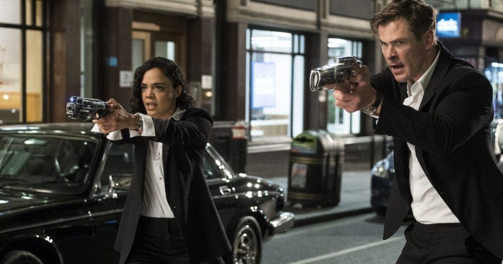 Men in Black International agents M (Thompson) and H (Hemsworth)