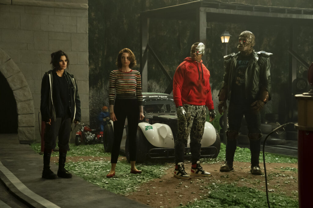 Left to Right: Diane Guerrero as Jane, April Bowlby as Rita Farr, Joivan Wade as Cyborg, and Brendan Fraser/Riley Shanahan as Cliff Steele.