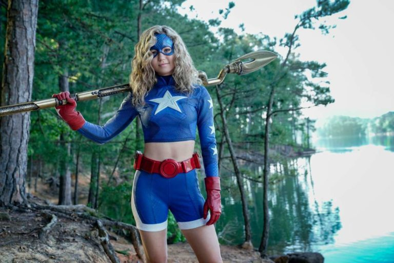 """'Stargirl' Episode 3 Review: """"Icicle"""""""