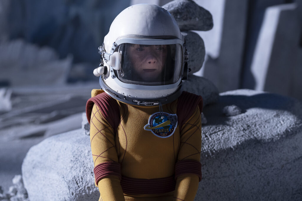 Abigail Shapiro as Dorothy Spinner in an astronaut suit.