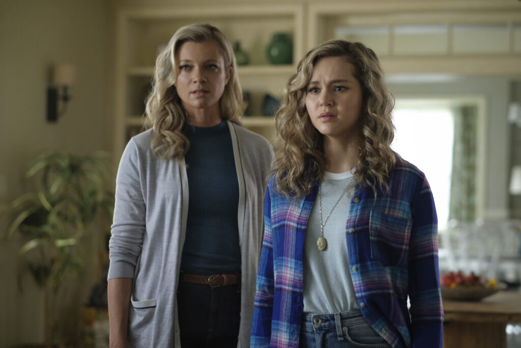 Amy Smart as Barbara and Brec Bassinger as Courtney. Courtney meets her offscreen, real father, for the first time.