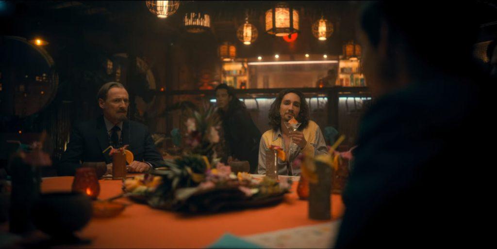 Reginald, Ben, Klaus, and Five talk over diner